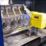 Centro di lavoro CNC con blocco motore in alluminio di RMC
