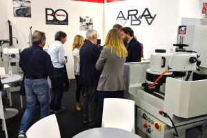 Industry experts meet at the ARA stand